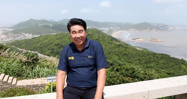 胡建国:开展健身跑,发展体育产业