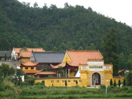 湖南名寺石霜寺:始建于唐据僖宗年间 因山而名