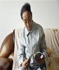 退休教师节衣缩食捐款30万资助贫困学子