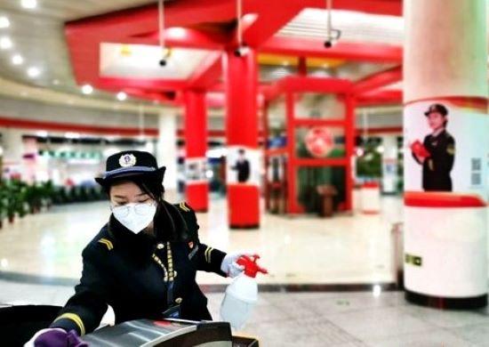 北京地鐵制定強化(hua)措施 確保乘(cheng)客tong)魴xing)安全