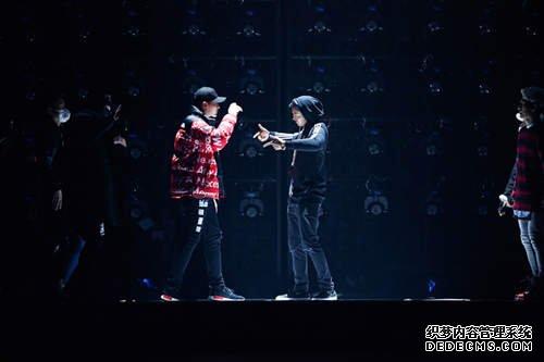 2015-2016湖南卫视跨年演唱会最后冲刺中图片
