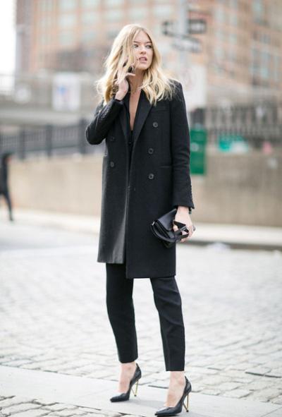 黑色裤子搭配细高跟鞋,瞬间变身职场干练女王.-上班只会穿职业装