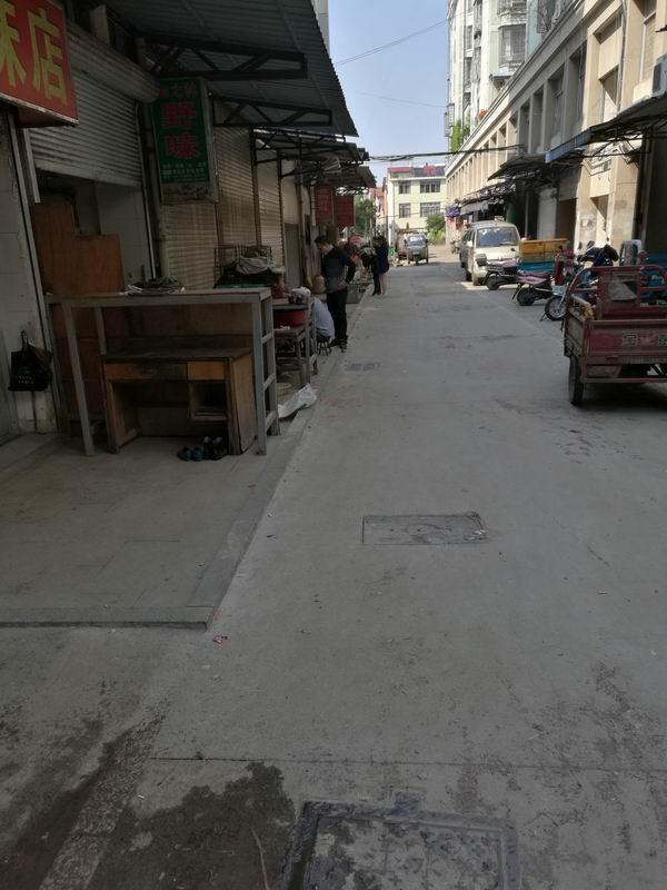 江山市云宾菜市场周边路面翻修工程接近尾声