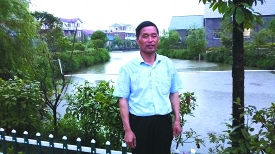 湖仁村书记汪水荣