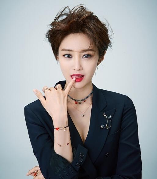 韩国最美短发女星高俊熙时尚大片发布 性感指数爆表图片