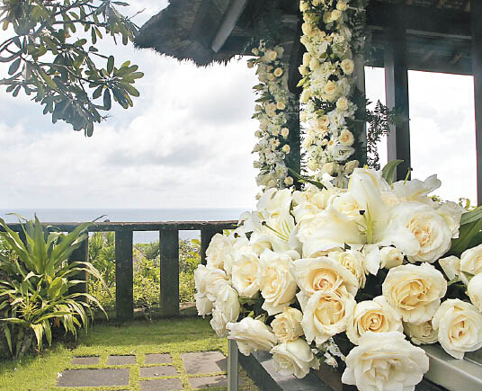 林心如霍建华赴巴厘岛拍婚纱照 喜帖寓意相识十年终成婚