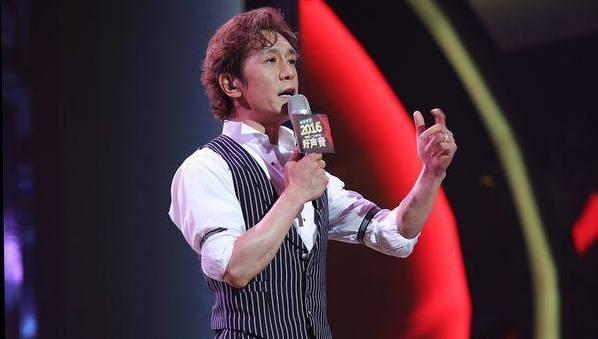 新歌声现零号学员 李咏首次登台献唱
