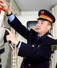 <b>列车长吴高国:用平凡和爱心谱写服务赞歌</b>