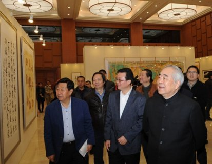 纪念红军长征胜利80年书画展开幕 展期5天