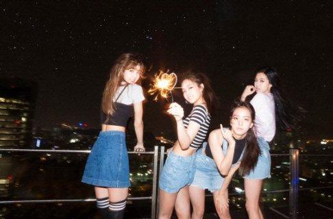 YG新女团BLACKPINK以出道曲《口哨》席卷韩国八音乐网站周冠军