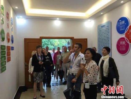 俄罗斯圣彼得堡市主流媒体团访湘:湖南发展令人惊叹