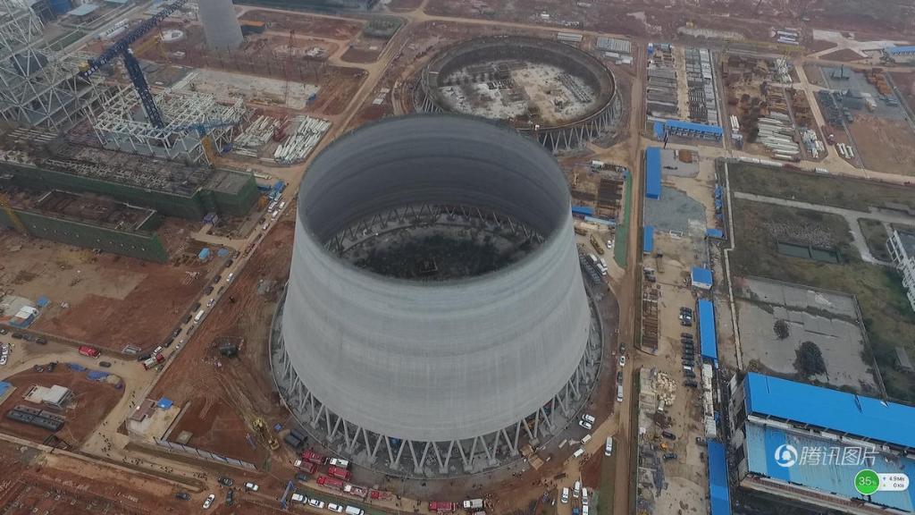 江西电厂冷却塔倒塌现场图曝光