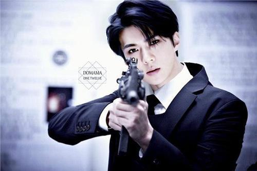 exo吴世勋饰演男主人公言溯,从此前曝光的造型来看,茶色头发加上黑色