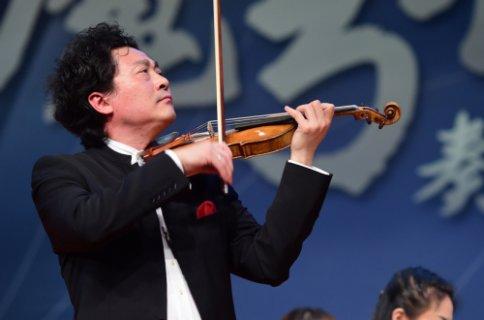 小提琴大师吕思清北师大独奏音乐会 致力公益艺术教育
