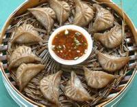信丰萝卜饺:饺皮透明滑润 馅肉香辣味鲜