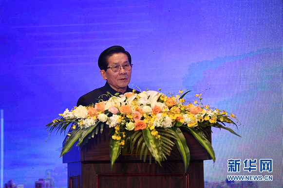第十一届全国人民代表大会财政经济委员会副主任委员贺铿致辞