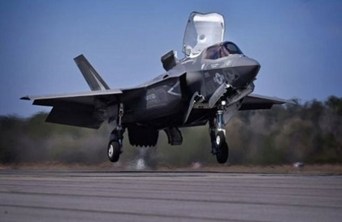 美最先进F35战机部署日本 取代F18和鹞式