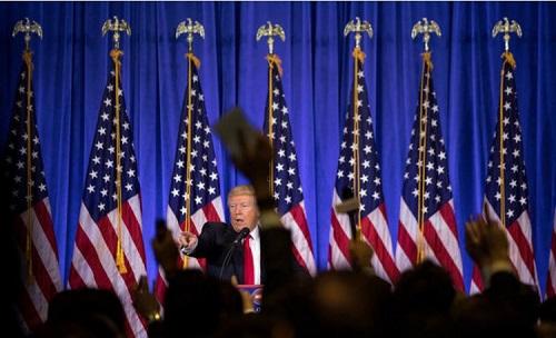 川普与CNN记者发生争吵
