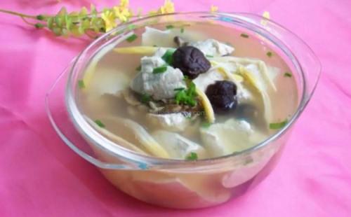 烫嘴豆腐:汤味香纯 唇齿留香