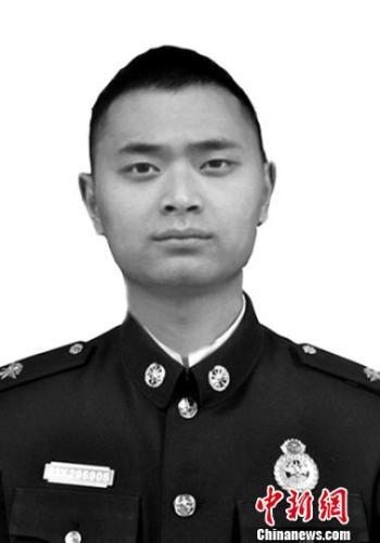四川消防员刘乃夫为保护战友牺牲 被批准为烈士