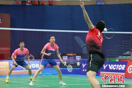 本次赛事吸引了来自27个省市合计600余名专业运动员同场竞技。 李丽丹 摄