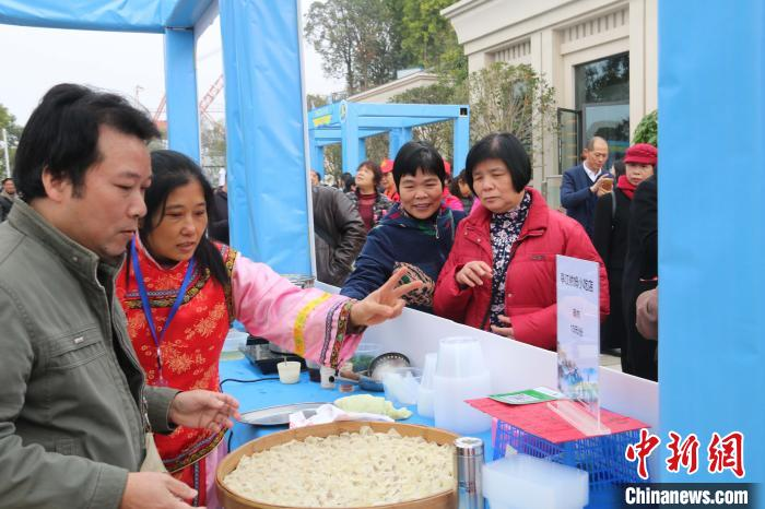 福州馬尾船(chuan)政特色歷(li)史(shi)文化(hua)街區成為民眾(zhong)感受船(chuan)政文化(hua)的一個好去處。 王彥 攝