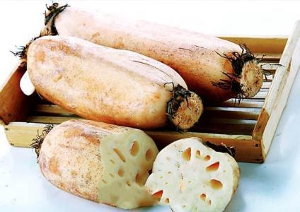 澤畔藕︰肉(rou)質脆嫩質地細膩 養心安神滋補佳品