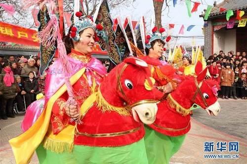 跑(pao)竹(zhu)馬(ma)︰內容(rong)新鮮時尚豐富 傳統文化文娛(yu)活tuan)dong)方(fang)式