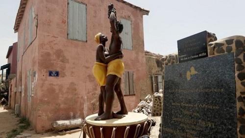 超过1200万名非洲人被拐卖到大西洋彼岸,成为美洲人家的奴隶